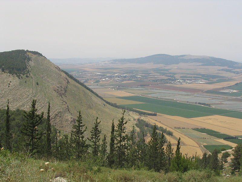 800px- נוף מהר שאול גלבוע, מוויקיפדיה