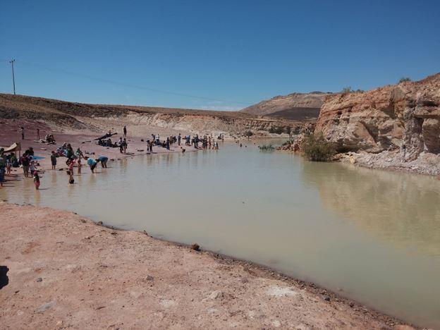 אגם חולות צבעוניים טיול במכתש רמון