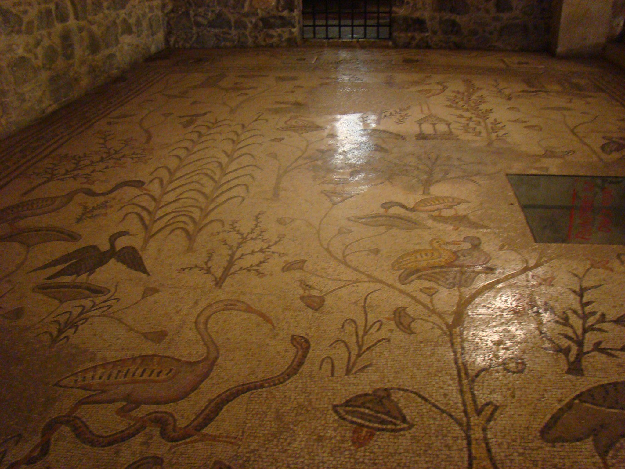 פסיפס הנילוס בכנסיית הלחם והדגים, טיילת הבשורה בצפון הכינרת