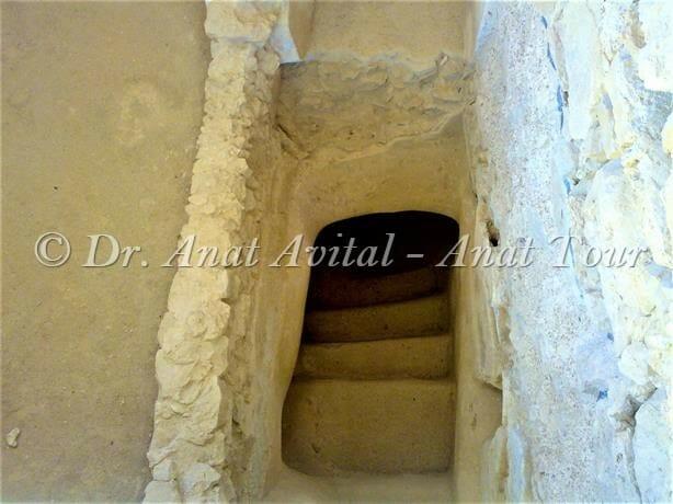 """מקווה מאוחר בחדר הרחצה בארמון המערבי של הורדוס במצדה, צילום: ד""""ר ענת אביטל"""