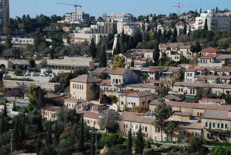 משכנות שאננים נשקפת טיילת החומות בירושלים העתיקה