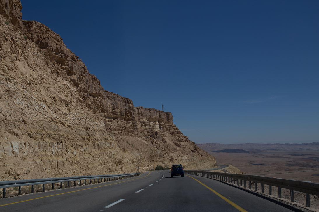כביש מעלה העצמאות, מכתש רמון (צילום: בנימין בלהסן)