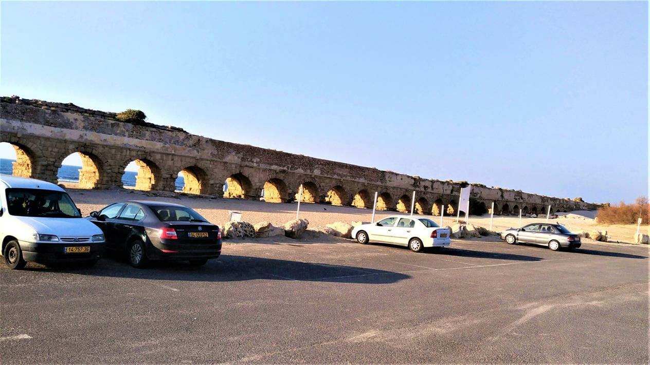 """חוף הקשתות, האקוודוקט - אמת המים לקיסריה הרומית, צילום: ד""""ר ענת אביטל"""