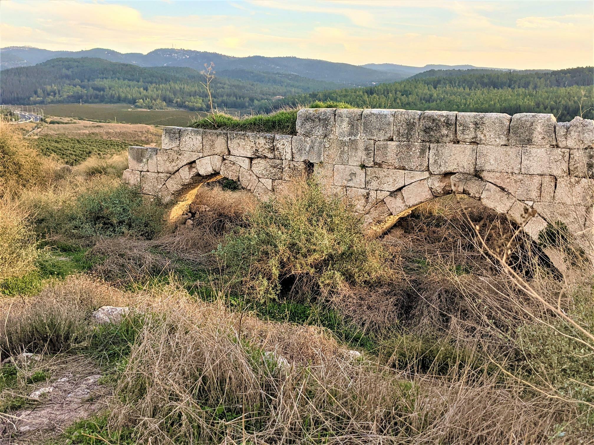 """קשתות מבצר צלבני לטרון, לה-טורון דה שבלייה, תצפית פנורמית מהממת, צילום: ד""""ר ענת אביטל"""