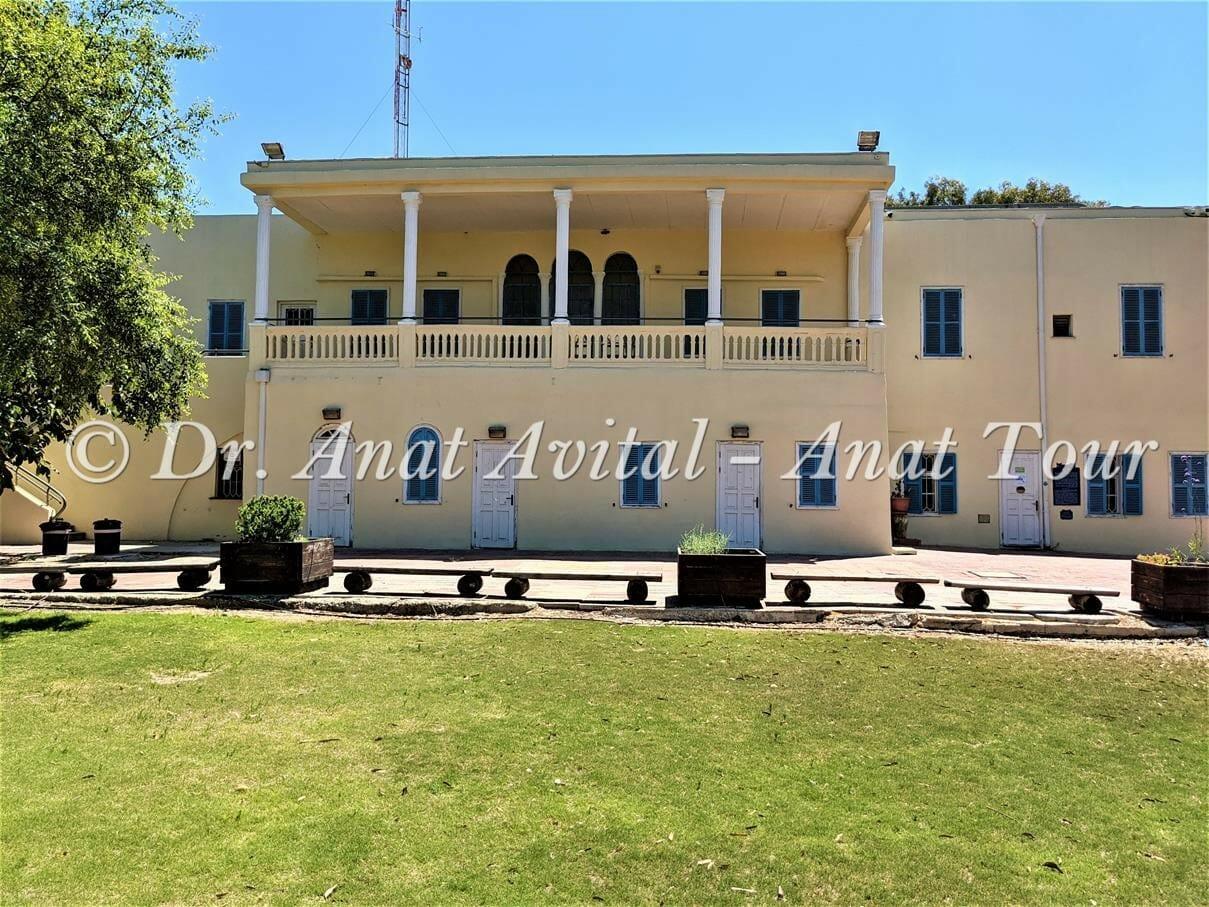 """הארמון- בית ספר שדה שקמים בניצנים, צילום ד""""ר ענת אביטל"""