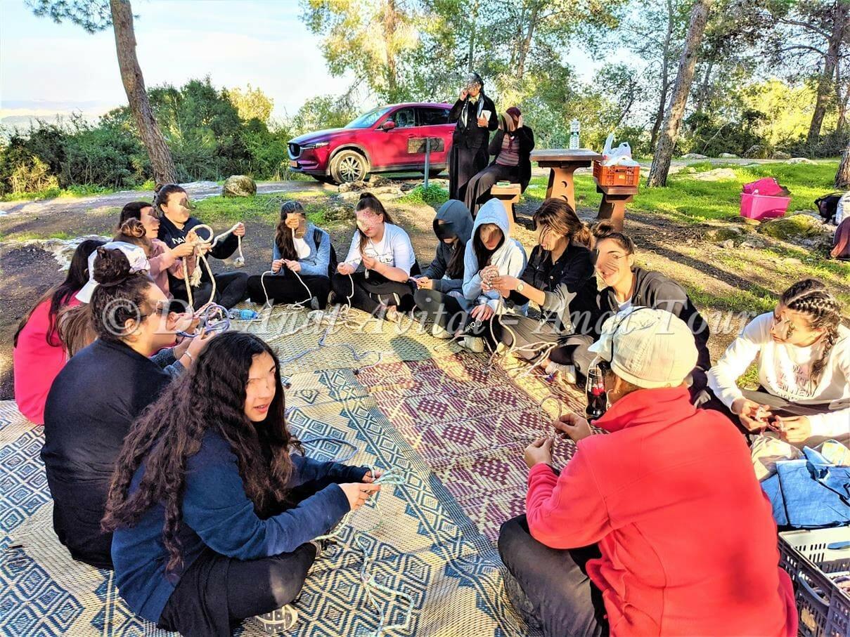 סדנת ערסלים במצפה משואה בשפלת יהודה, מטיילים עם ענת