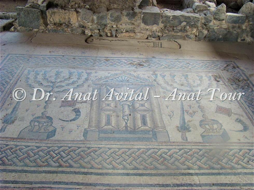 """פנל המקדש, פסיפס בית כנסת חמת טבריה, צילום: ד""""ר ענת אביטל"""