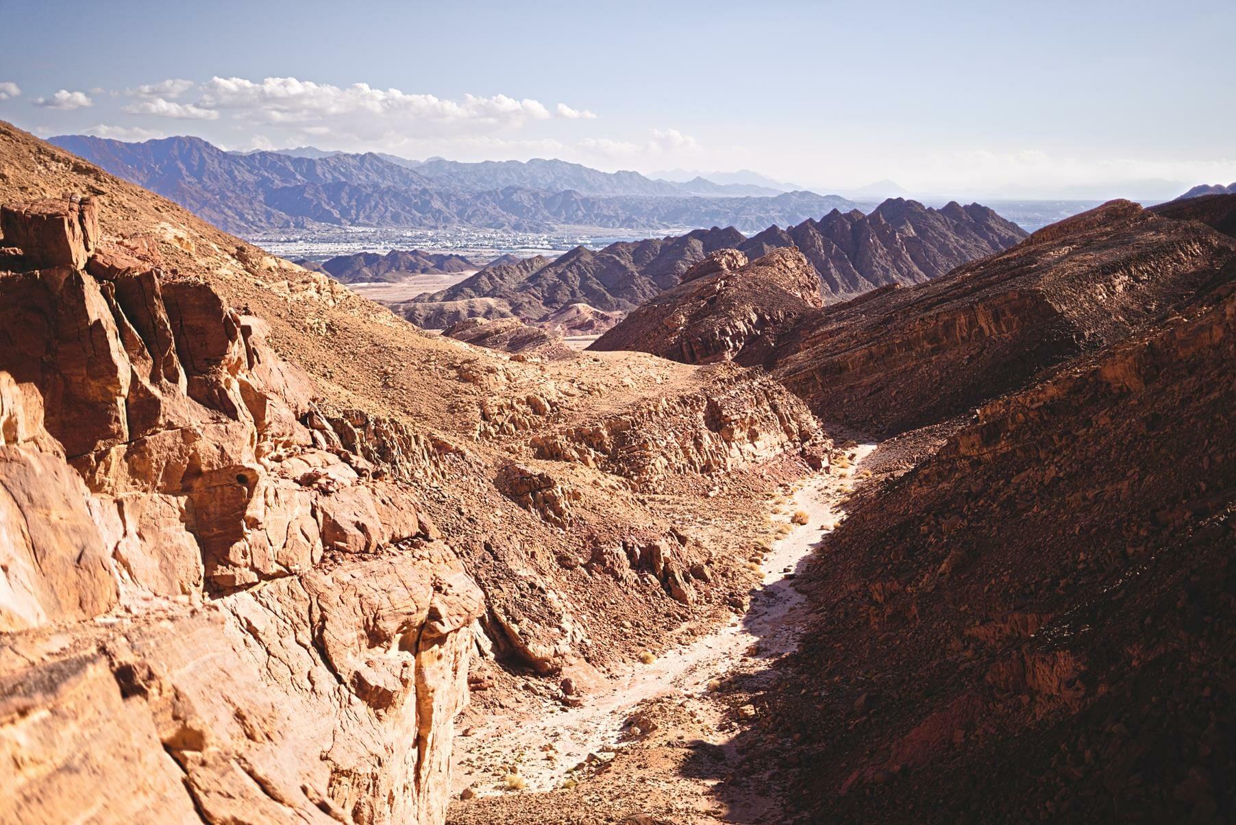 נחל אמיר, טרק מיטיבי לכת בהרי אילת, צילום: יוסי אביטל
