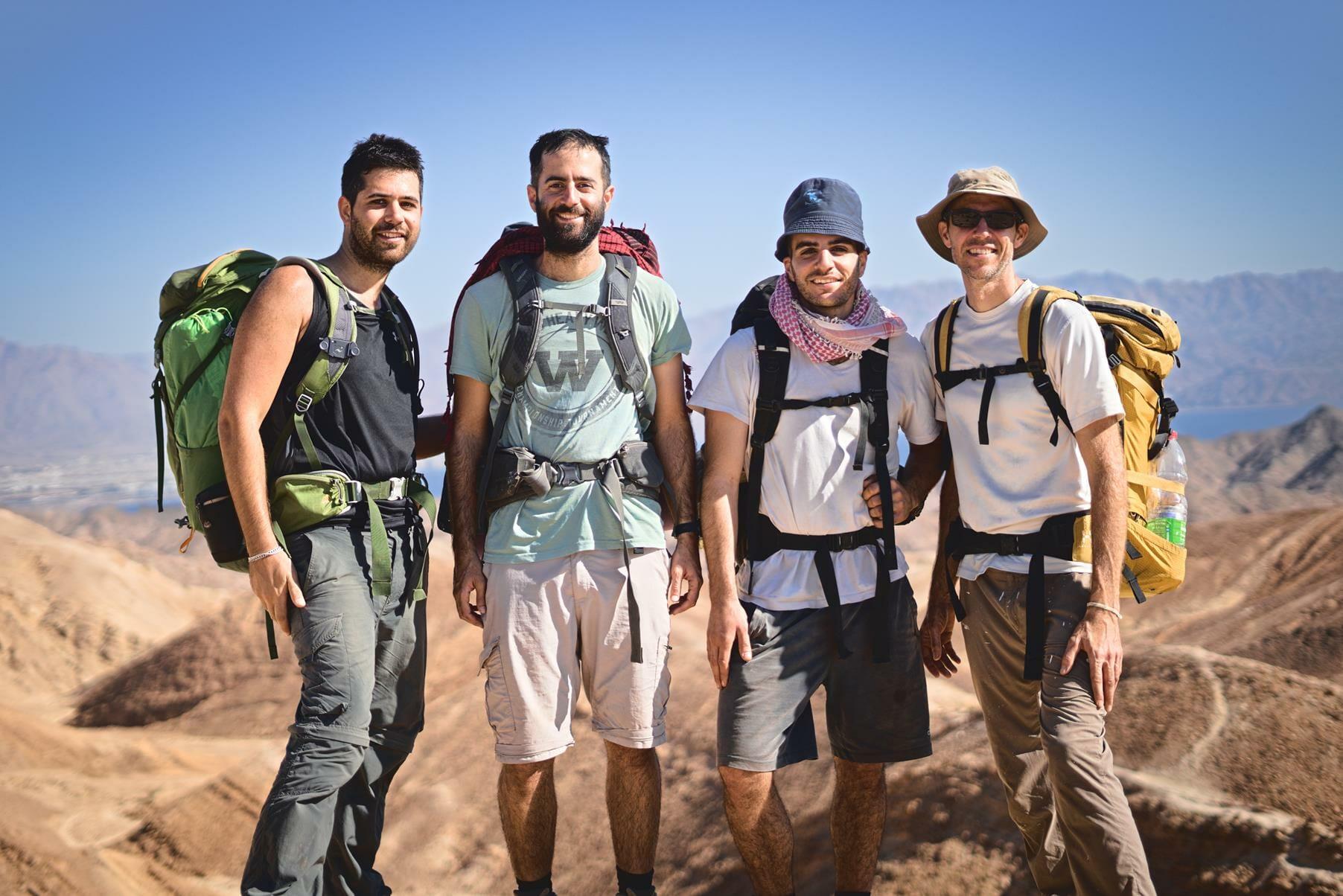 שביליסטים בהר צפחות, שביל ישראל בהרי אילת, צילום: יוסי אביטל