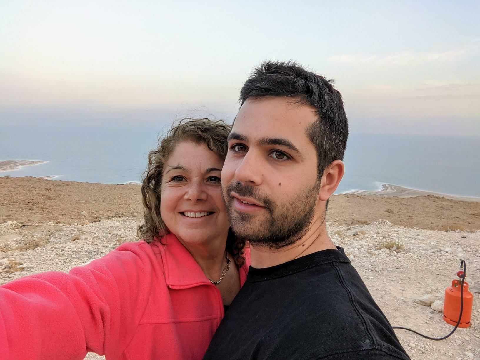 """סיום היום בסדנת פיתות על מצוקי ים המלח, צילום: ד""""ר ענת אביטל"""