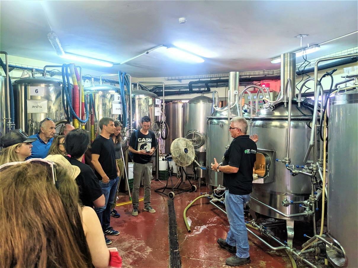 """ביקור במבשלת בירה, טיול ויום כיף לחברת אלדן-ניאופרם, בעמק האלה, צילום: ד""""ר ענת אביטל"""
