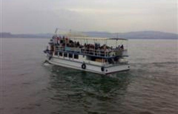 שייט עין גב: טיול ויום כיף בצפון בשילוב שייט חלומי בספינה בכינרת