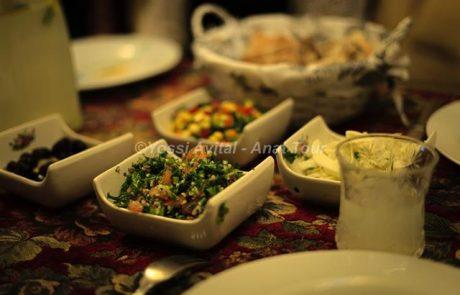 אירוח דרוזי ביתי בצפון הארץ: ארוחה דרוזית כשרה עשירה למטיילים בגליל