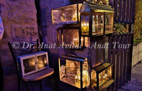 טיול חנוכיות פרטי באנגלית בירושלים: הדלקת נרות חנוכה ברובע היהודי, החורבה והכותל המערבי, דצמבר 2019