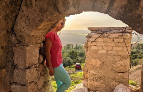 מיד לשריון לטרון אל מנזר השתקנים והמבצר הצלבני – מקטע מהמם על שביל ישראל