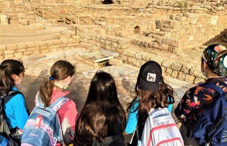 טיול חורף לבנות בית ספר דתי אורל מירושלים: קיסריה ונחל חדרה