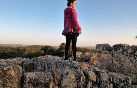חורבת עתרי: טיול יפה ומושלם עם נופים וארכיאולוגיה בשפלת יהודה