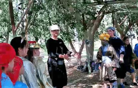 הצגה בטיול: מפגש אלכסנדר מוקדון ושמעון הצדיק באנטיפטריס – פארק אפק