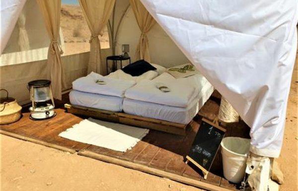 טיולים ואירוע מדברי VIP למשפחת סופר באוהלי גלמפינג מפוארים במכתש רמון, ארוחות מטורפות, אטרקציות ואתגר